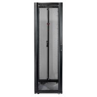 Шкаф для сетевого оборудования APC NetShelter SX 42U, ширина 600 мм, глубина 1070 мм, черные боковые панели (Состояние нового)
